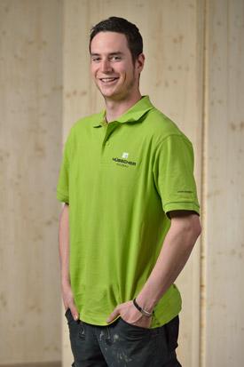 Hübscher Holzbau Mitarbeiter Kevin Mengel