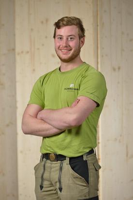 Hübscher Holzbau Mitarbeiter Alex Pfeiffer