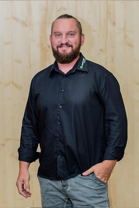 Hübscher Holzbau Mitarbeiter Andre Rempel