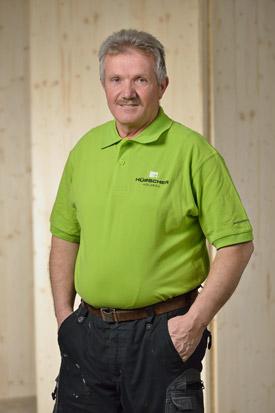 Hübscher Holzbau Mitarbeiter Misin Misinaj
