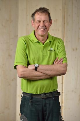 Hübscher Holzbau Mitarbeiter Peter Rutz